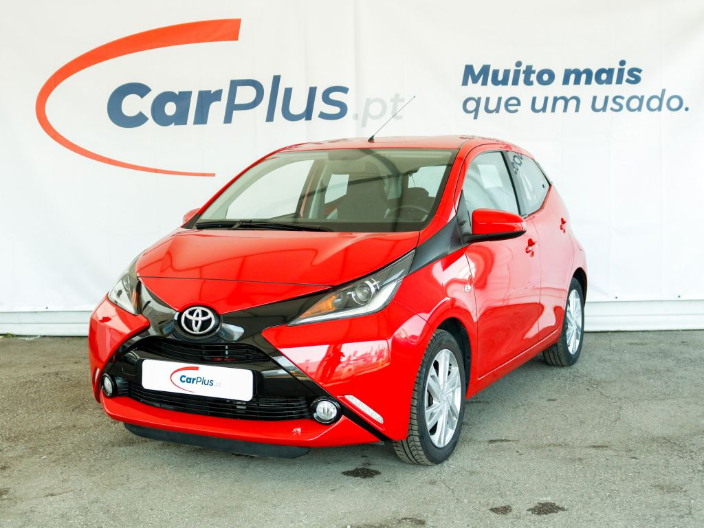 Toyota Aygo 1.0 VVT-i x-play segunda mão Lisboa