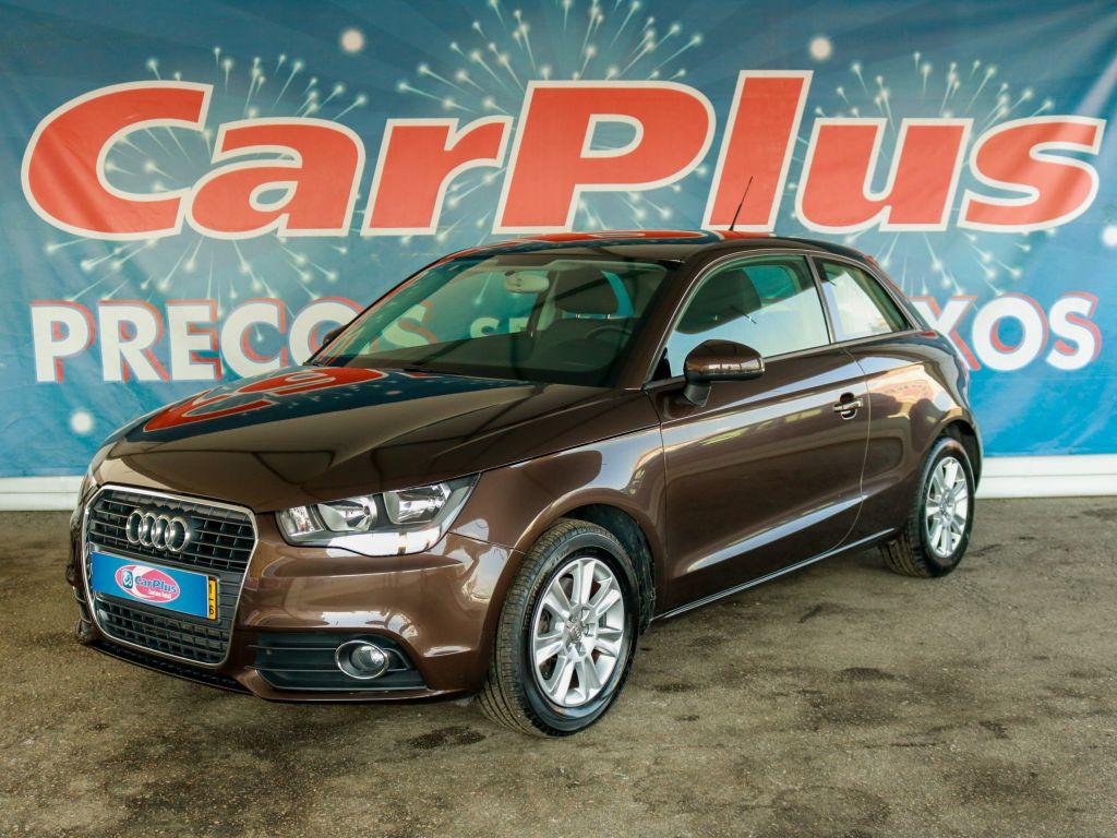 Audi A1 1.6 TDI Advance 90 cv segunda mão Lisboa