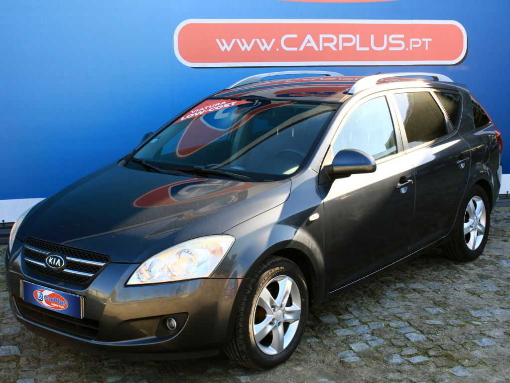 Kia cee'd Sporty Wagon 1.4 CVVT EX segunda mão Porto
