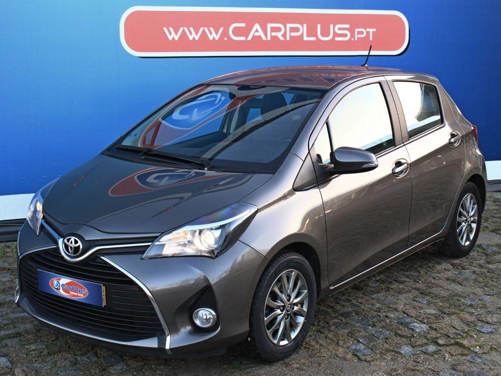 Toyota Yaris 1.0G Comfort+P.Style segunda mão Porto