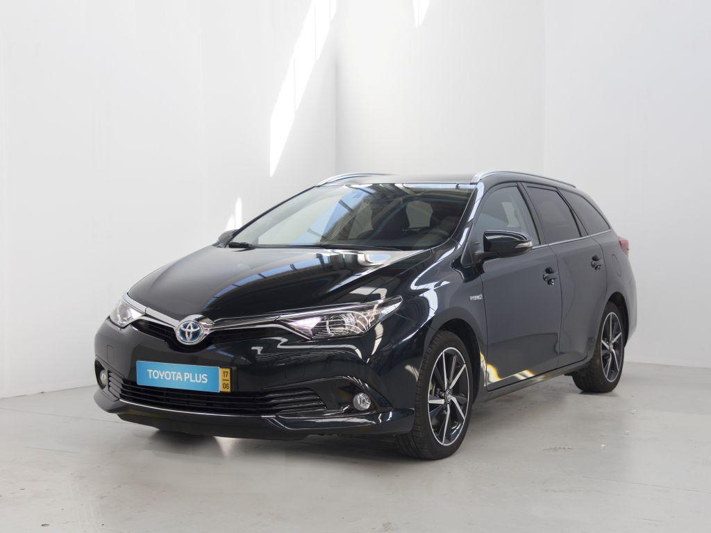 Toyota Auris Touring Sports 1.8Híbrido Comfort P Techno Sport CVT TS usada Braga