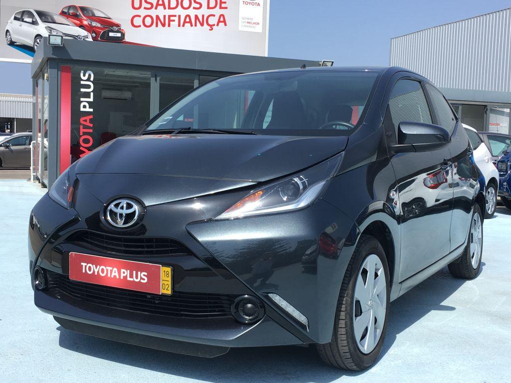Toyota Aygo AYGO 5P 1.0 X-PLAY+AC+X-TOUCH usada Faro