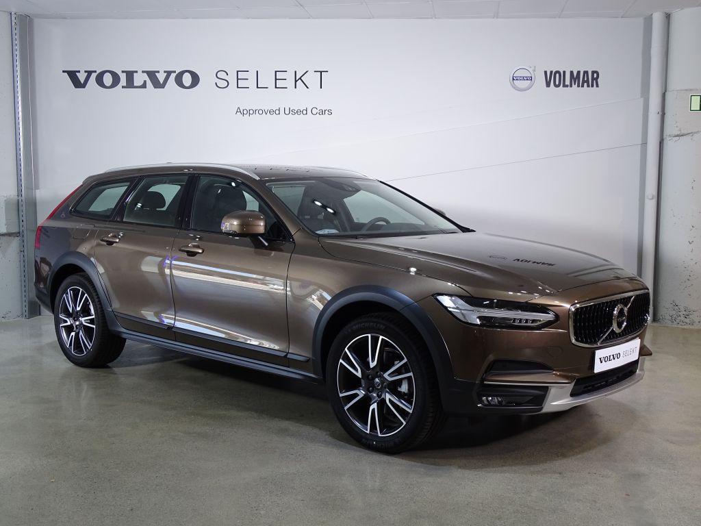 Volvo V90 Cross Country 2.0 D4 4WD 190 5P segunda mano Madrid