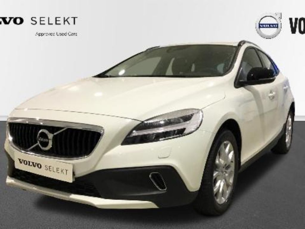 Volvo V40 Cross Country 1.5 T3 PLUS AUTO 152 5P segunda mano Madrid