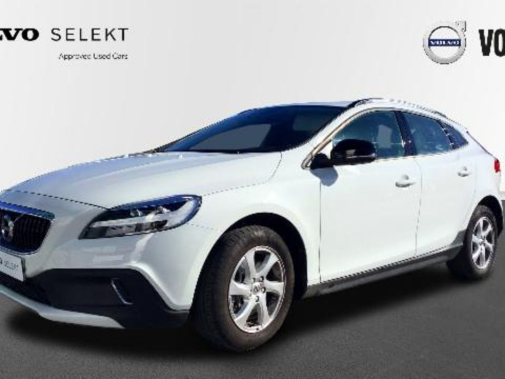 Volvo V40 Cross Country 2.0 D2 MOMENTUM 120 5P segunda mano Madrid