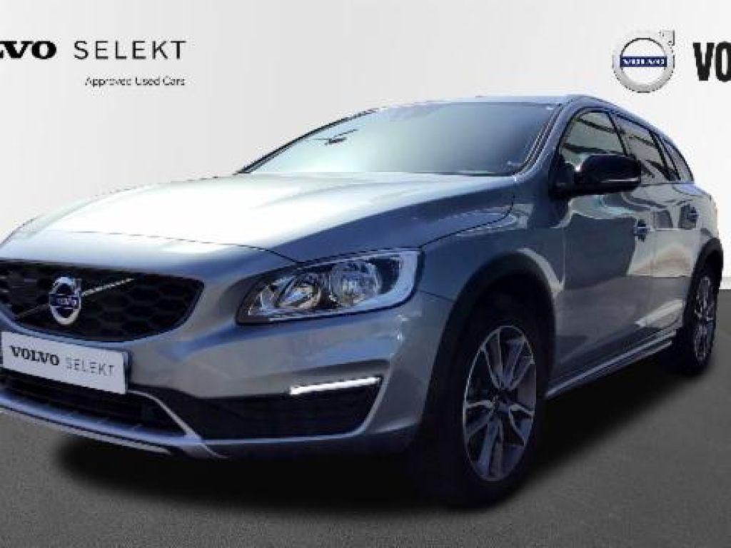 Volvo V60 Cross Country 2.0 D4 SUMMUM AUTO 190 5P segunda mano Madrid