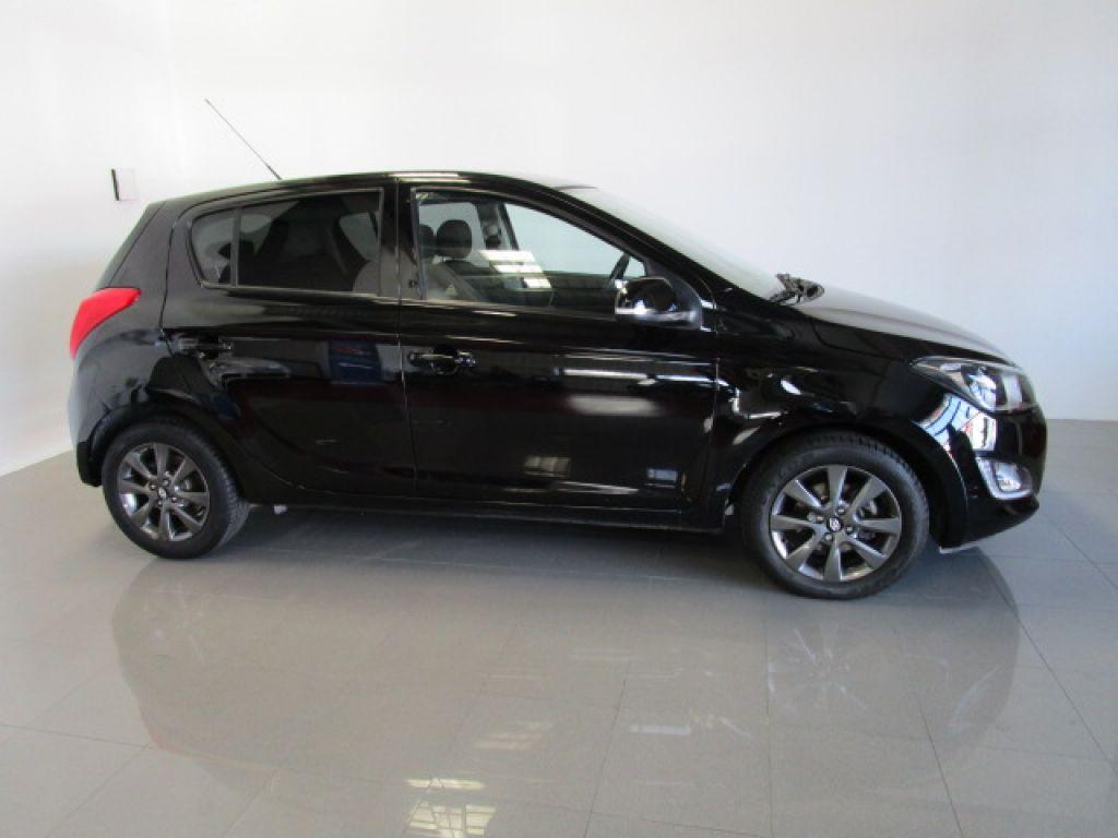 Hyundai i20 1.2 MPI City S segunda mano Madrid