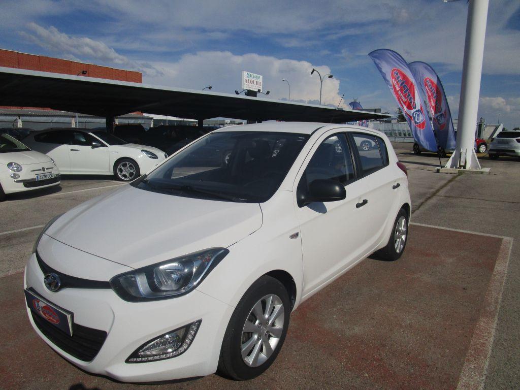 Hyundai i20 1.4 CRDi SLE segunda mano Madrid