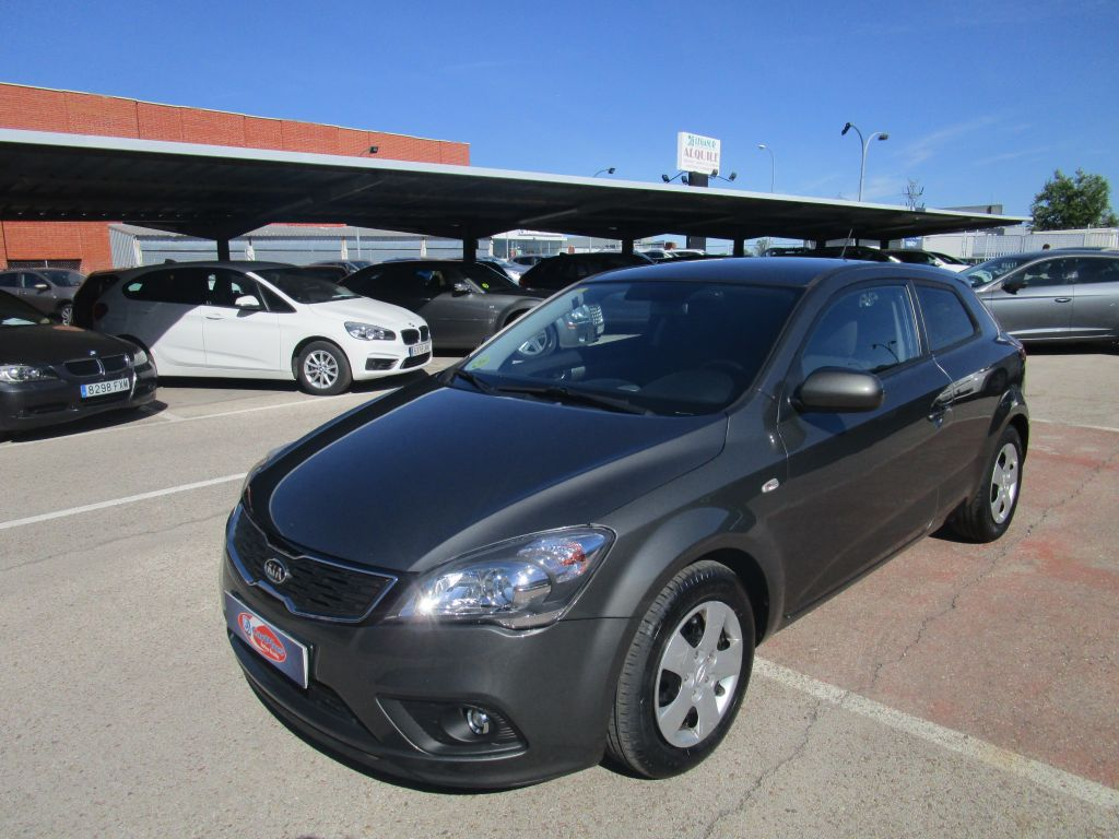 Kia pro_cee'd 1.6 CRDi 90cv Drive Plus segunda mano Madrid