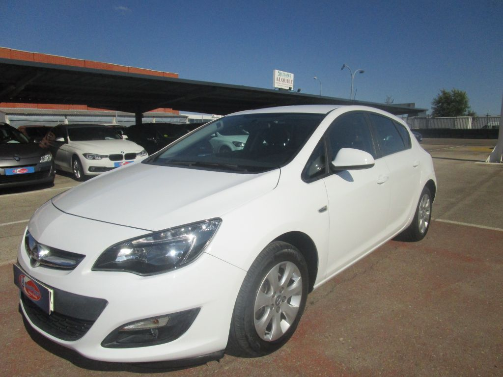 Opel Astra 1.7 CDTi 110 CV Selective Business segunda mano Madrid