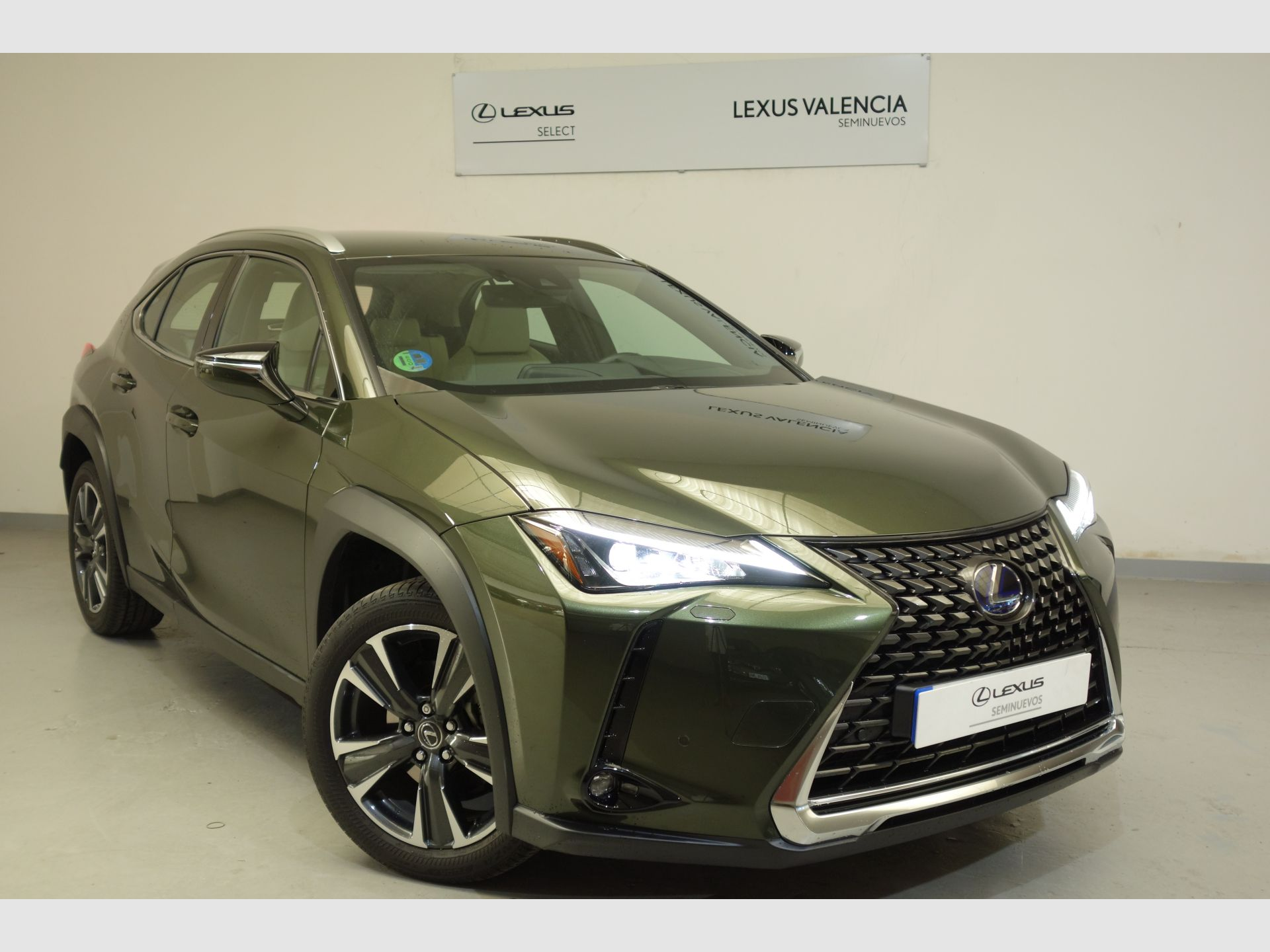Lexus UX 2.0 250h Executive Navigation segunda mano Madrid