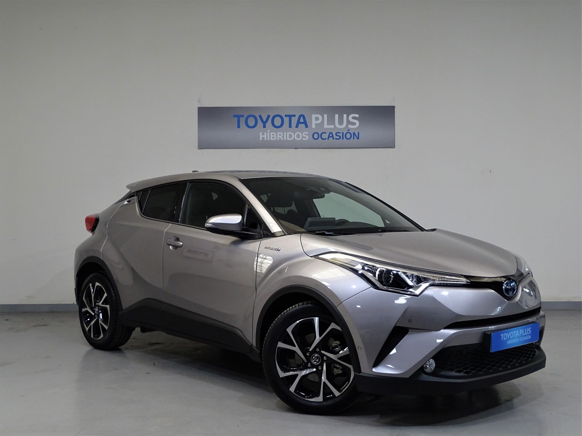 Toyota C-HR 1.8 125H Advance segunda mano Madrid