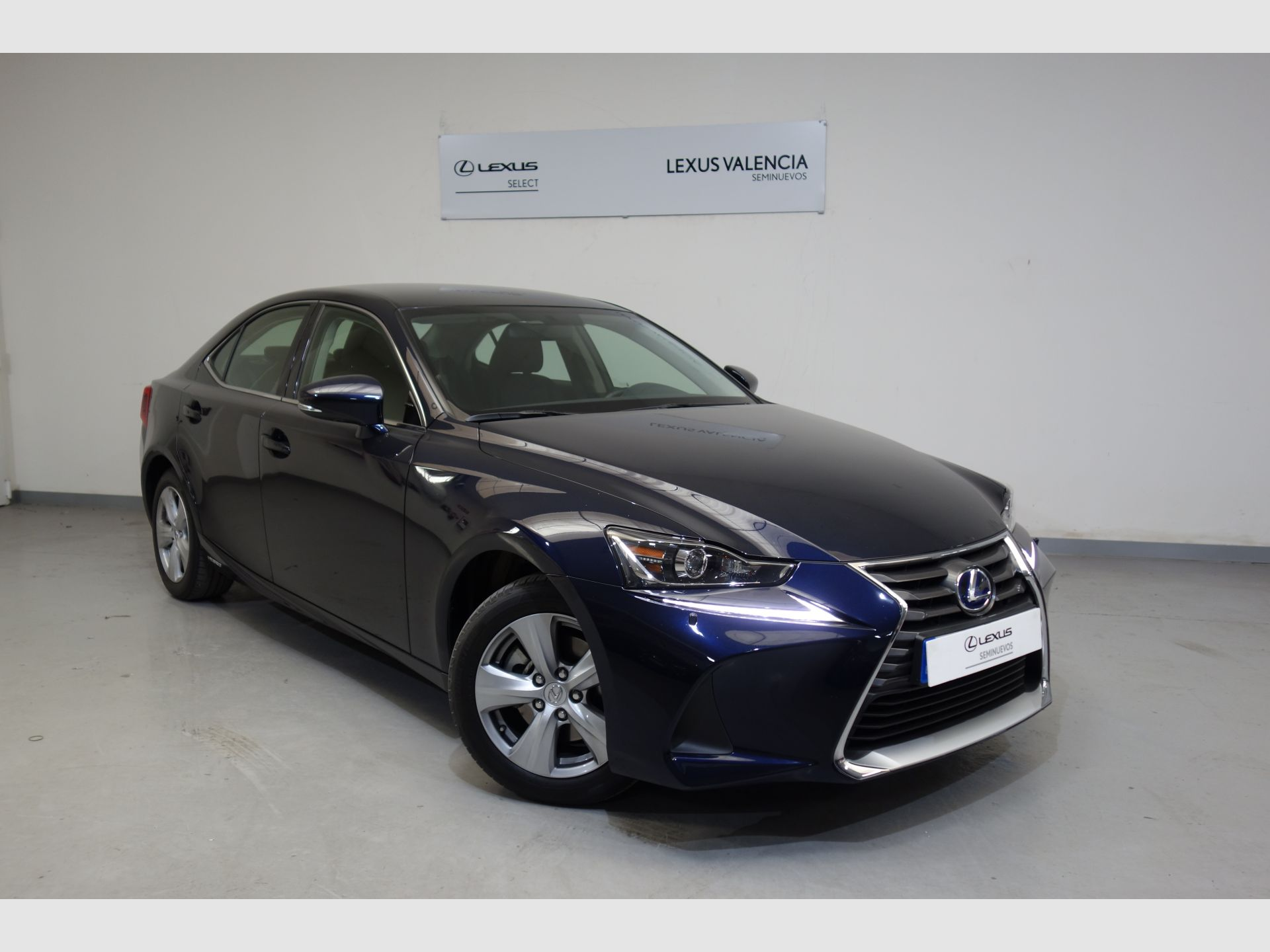 Lexus IS 2.5 300h Business segunda mano Madrid
