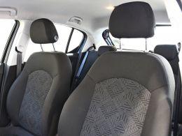 Opel Corsa 1.2 70cv Dynamic segunda mão Porto