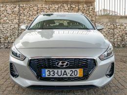 Hyundai i30 SW 1.6 CRDI 110cv Comfort + BTL + NAVI 110CV segunda mão Lisboa