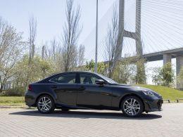 Lexus IS 300h Executive segunda mão Coimbra