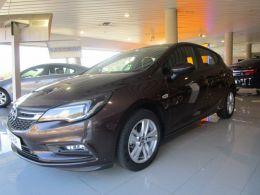 Opel Astra 1.6 CDTi 110 CV Selective segunda mano Madrid