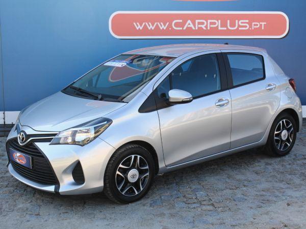 Toyota Yaris segunda mão Porto
