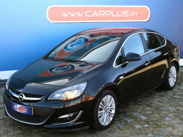 Opel Astra segunda mão Porto