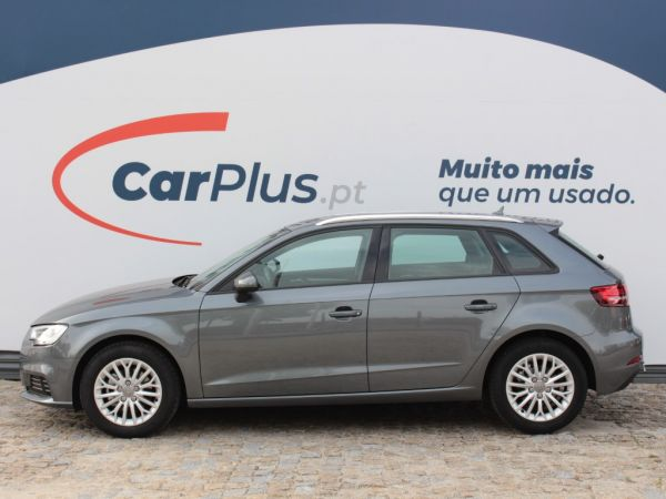 Audi A3 Sportback 1.6 TDI 116cv Attraction  usado (Braga)