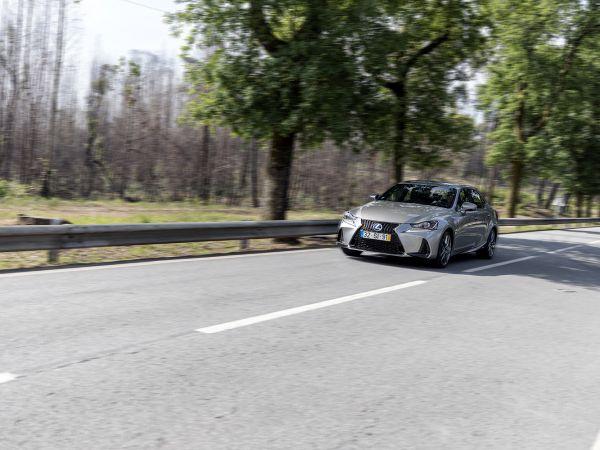 Lexus IS segunda mano Porto