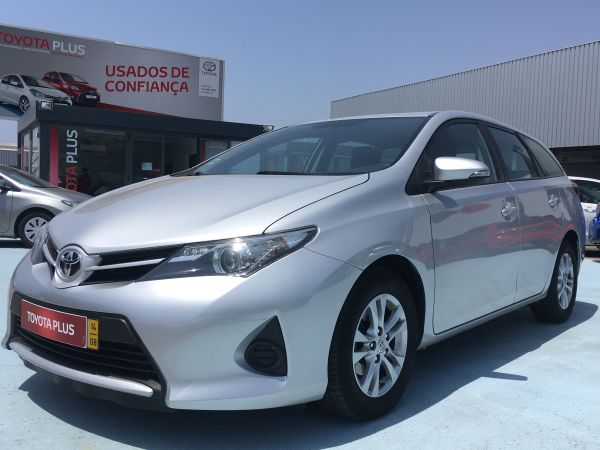 Toyota Auris Touring Sports segunda mano Faro